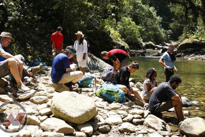 crossing the river buritaca lost city